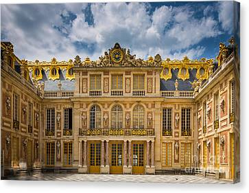 Versailles Courtyard Canvas Print by Inge Johnsson