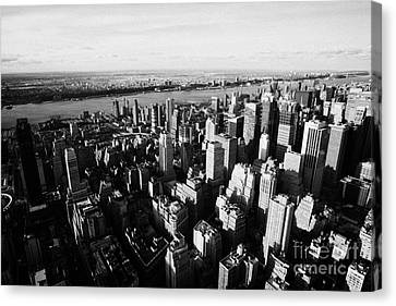 View Of Manhattan North West Towards Hudson River From Empire State Building Canvas Print by Joe Fox