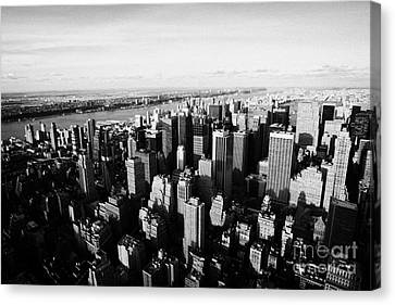 View Of Manhattan North West Towards Hudson River From Empire State Building New York Canvas Print by Joe Fox