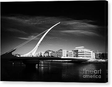 View Of The Samuel Beckett Bridge Over The River Liffey Dublin Republic Of Ireland Canvas Print by Joe Fox