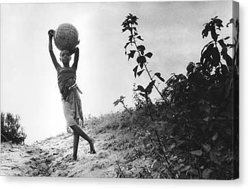 Vilancoulos Mozambique 1997 Canvas Print by Rolf Ashby
