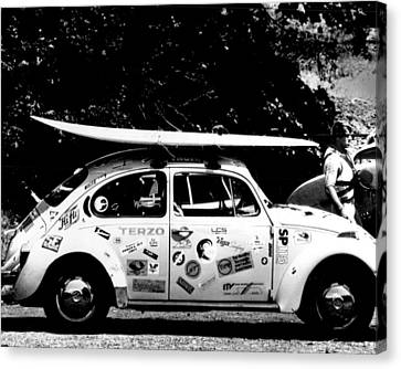 Vintage Vw Bug Ready To Surf Canvas Print by Retro Images Archive