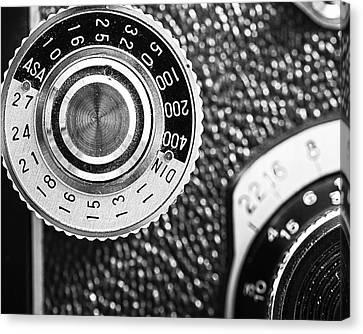Vintage Yashica 635 Camera - Asa Dial Canvas Print by Jon Woodhams
