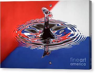 Viva Cuba Libre Canvas Print by Susan Candelario