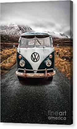 Vw Camper Glen Etive Canvas Print by John Farnan