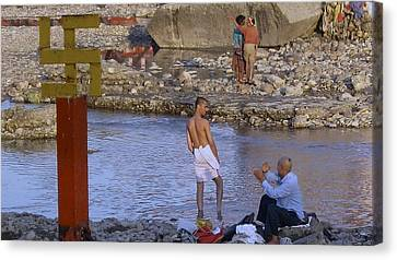 Waiting At The River Ganges Canvas Print by Russell Smidt