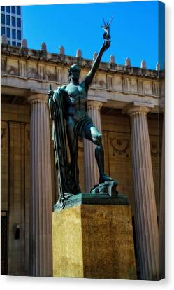 War Memorial Statue Youth In Nashville Canvas Print by Dan Sproul