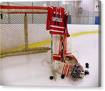 Washington Capitals Winter Classic 2015 Goalie Jersey Canvas Print by Lisa Wooten