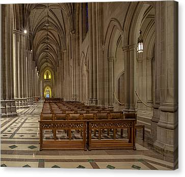 Washington National Cathedral Nave Canvas Print by Susan Candelario