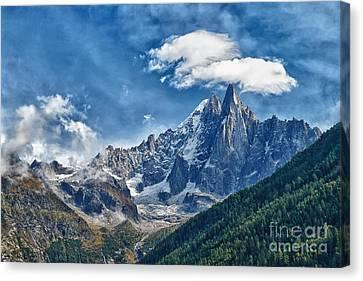 Western Alps In Chamonix Canvas Print by Juergen Klust