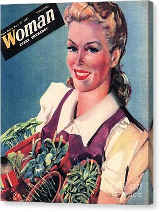 Woman 1942 1940s Uk Land Girls Dig Canvas Print by The Advertising Archives