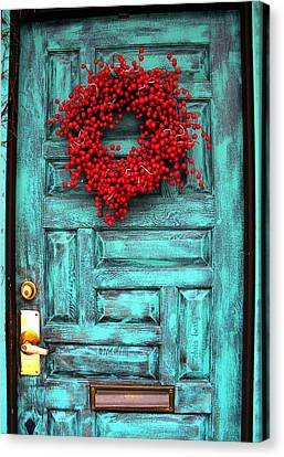 Wreath Of Berries Canvas Print by Chris Berry
