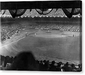 Yankees Defeat Giants Canvas Print by Underwood Archives