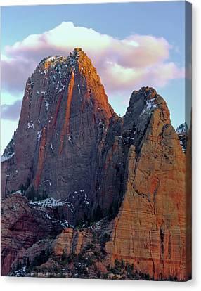 Zion National Park , Utah Canvas Print by Scott T. Smith
