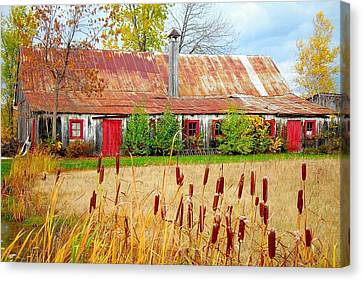 Colorful Barn ... Canvas Print by Juergen Weiss