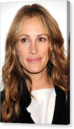 Julia Roberts At Arrivals For Jesus Canvas Print by Everett