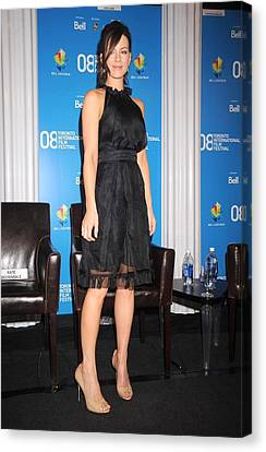 Kate Beckinsale At The Press Conference Canvas Print by Everett