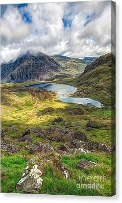 Llyn Idwal Lake Canvas Print by Adrian Evans