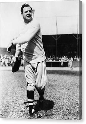 New York Yankees. Yankees Outfielder Canvas Print by Everett