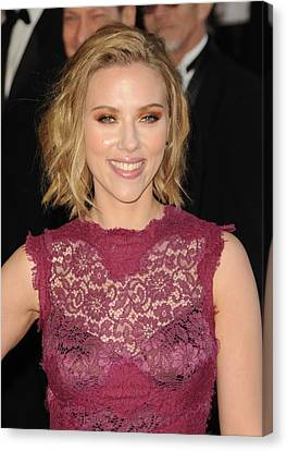 Scarlett Johansson At Arrivals For The Canvas Print by Everett