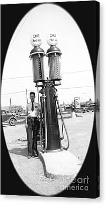 1937 Gas Pump Regina Canvas Print by Donna Munro