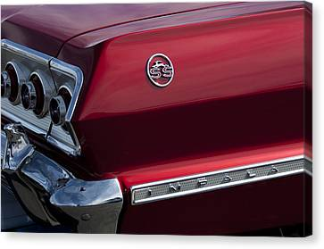 1963 Chevrolet Impala Ss Taillight Canvas Print by Jill Reger