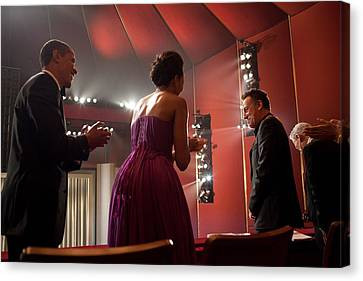 President And Michelle Obama Applaud Canvas Print by Everett