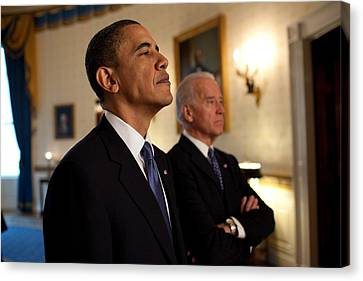 President Obama And Vp Biden Canvas Print by Everett