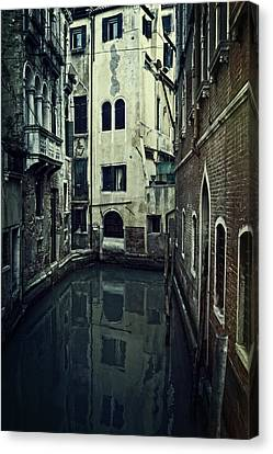 Venezia Canvas Print by Joana Kruse