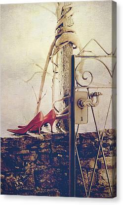 Pumps Canvas Print by Joana Kruse