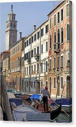 Venezia Canvas Print by Joana Kruse