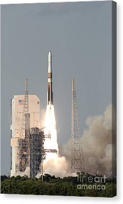 A Delta Iv Rocket Lfits Canvas Print by Stocktrek Images