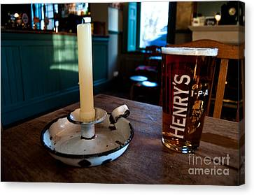 A Pint Of Henry's Canvas Print by Rob Hawkins