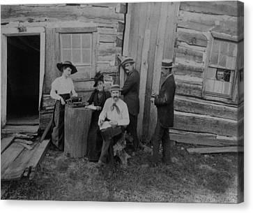 Abraham Lincolns Log Cabin. The Lincoln Canvas Print by Everett