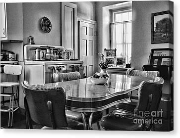 Americana - 1950 Kitchen - 1950s - Retro Kitchen Black And White Canvas Print by Paul Ward