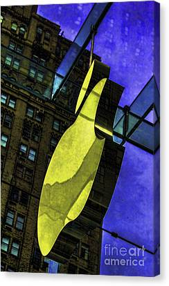 Apple Logo Nyc Canvas Print by Chuck Kuhn