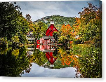 Ashland Canvas Print by Robert Clifford