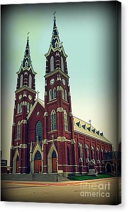Basilica Of St.francis Xavier In Dyersville Iowa Canvas Print by Susanne Van Hulst