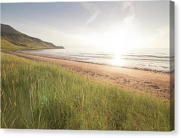 Beach At Sunset Canvas Print by Ingólfur Bjargmundsson