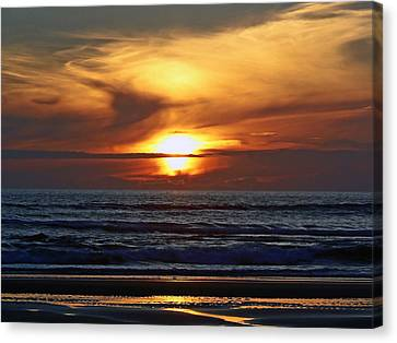 Beach Sunset  Canvas Print by Pamela Patch