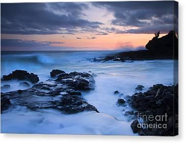 Blue Hawaii Sunset Canvas Print by Mike  Dawson