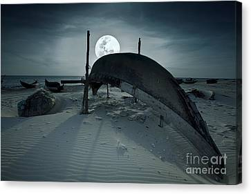Boat And Moon Canvas Print by MotHaiBaPhoto Prints