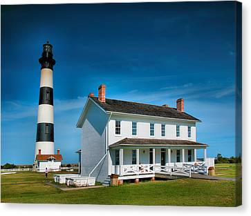 Bodie Island Lighthouse And Keepers Quarters Canvas Print by Steven Ainsworth