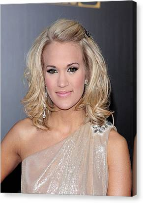Carrie Underwood At Arrivals For 2009 Canvas Print by Everett
