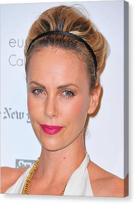 Charlize Theron Wearing A Jennifer Behr Canvas Print by Everett