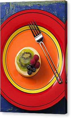 Cheesecake On Plate Canvas Print by Garry Gay