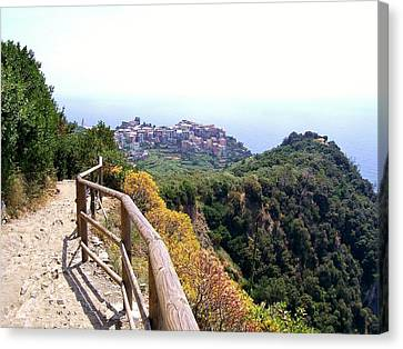 Cinqre Terre Corniglia From The Trail Canvas Print by Marilyn Dunlap