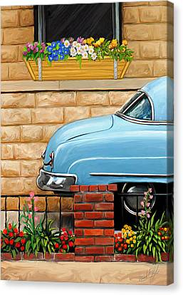 Clunker In The Garden Canvas Print by David Kyte