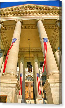 Continental Memorial Hall Canvas Print by Steven Ainsworth