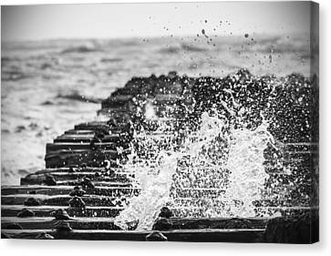 Crashing Up - Bw Canvas Print by Nicholas Evans